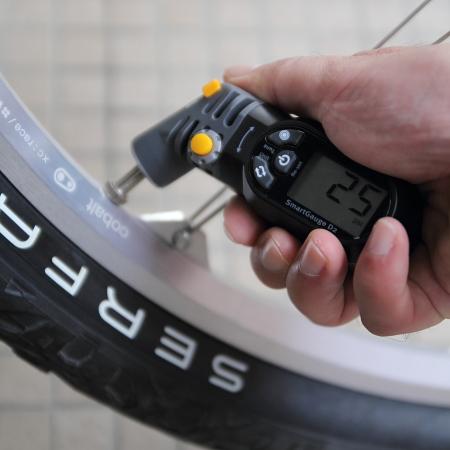 自転車の 自転車 タイヤ 空気圧 単位 : TOPEAKの空気圧計スマートゲージ ...