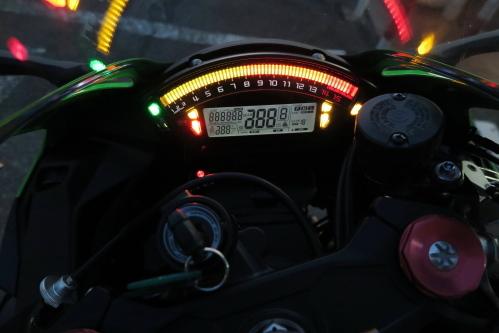 ZX10R1710101_08.JPG