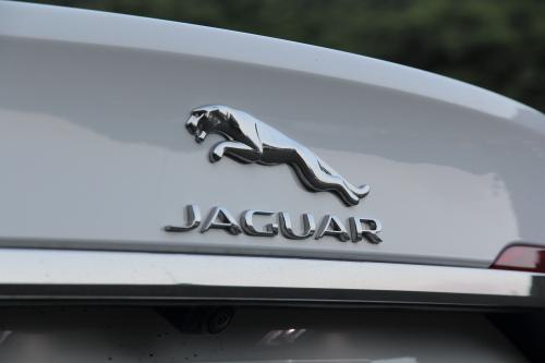 jaguarxf_ext_18.JPG